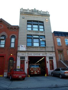 E220 FDNY Firehouse Engine 220 & Ladder 122, Park Slope, Brooklyn, New York City by jag9889, via Flickr shared by NYC Firestore
