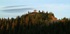 Another view of Cougar Peak Fire Watch Tower (by Andrew Klaus)