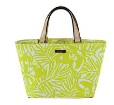Kate Spade Grant Street Grainy Vinyl Juno Tote (Yellow White) Stand out from the crowd with this colorful tote from Kate Spade! Kate Spade Handbags, Kate Spade Purse, Kate Spade Pink, Summer Accessories, Large Tote, Tj Maxx, Everyday Fashion, Shoulder Bag, Satchel