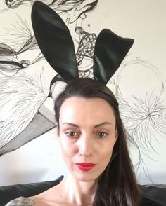 WEBSTA @ corvina_ - bom dia bunny lovers!hj eu vou escolher o melhor post com #MarinanaPlayboy mas ainda temos até o fim do dia!já tiveram alguns posts bem criativos!!!mas falta um realmente lacrador pra ganhar a assinatura de um ano da @oficialplayboybrasil to de olho viu...bora postar a foto com a capa e nao esqueçam de causar!!!🐰❤️