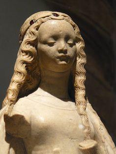 Royal medieval Lady 13th century CE (1) Metropolitan Museum