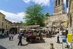 St-Emilion - Place de L'eglise Monolithe