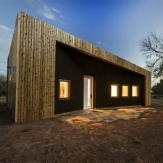 Architecture+students+create+studio+building+in+rural+Utah+using+recycled+materials