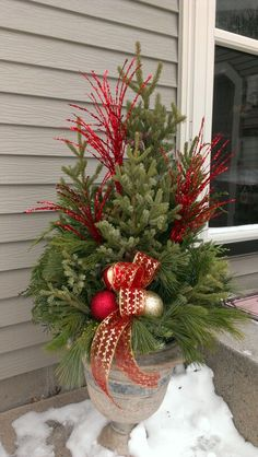 Best Ideas For Outdoor Christmas Container Gardens Outdoor Spaces Anything and everything you could ever imagine in the region of Chirstmas holiday decorations. You're able to locate all our Christmas creations HERE! Outdoor Christmas Planters, Christmas Urns, Outdoor Christmas Decorations, Christmas Centerpieces, Christmas Home, Christmas Holidays, Outdoor Pots, Christmas Greenery, Fall Planters