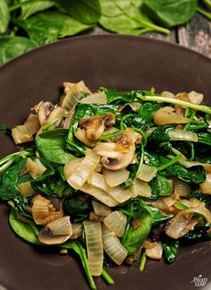 Sautéed spinach and caramelized onions - a great side dish to pair with any protein clean gluten eatclean healthy recipes Healthy Side Dishes, Vegetable Sides, Vegetable Side Dishes, Side Dish Recipes, Vegetable Recipes, Healthy Snacks, Healthy Eating, Spinach Side Dishes, Healthy Dinner Sides