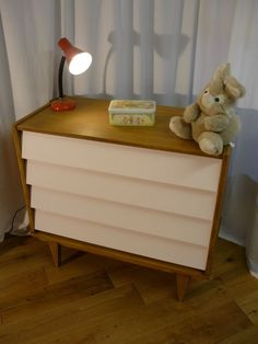 COMMODE VINTAGE ANNEES 60 PIEDS COMPAS