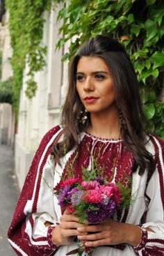Romanian blouse. Boho look. Love the color.