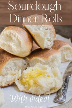 A recipe for soft and tender sourdough dinner rolls, leavened with only sourdough starter . Step by step recipe and instructional video. These soft sourdough dinner rolls can be made by hand or in a mixer. Sourdough Bread - Sourdough buns - Sourdough Rolls - Sourdough Dinner rolls - Sourdough Recipes - Sourdough Bread Recipes Sourdough Recipes, Sourdough Bread, Bread Recipes, Sourdough Dinner Rolls, Bread Bun, Burger Buns, Food Preparation, Food And Drink, Dinner Recipes