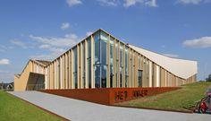 Centro comunitario Het Anker,© Harry Noback & Maarten Sipma http://www.plataformaarquitectura.cl/cl/782850/centro-comunitario-het-anker-moederscheimmoonen-architects?utm_source=dlvr.it&utm_medium=twitter