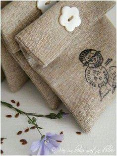 Very pretty lavender sachets Burlap Projects, Burlap Crafts, Cool Diy Projects, Fabric Crafts, Sewing Crafts, Sewing Projects, Lavender Bags, Lavender Sachets, Burlap Bags