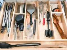 🥰Can we just say how much we love a good utensil drawer... especially one that has built in dividers?? ⠀ So.Much. Sometimes the trick is making things fit in a pre-determined space, since most people have typical items, it usually all works out like it did here. ⠀ I do a lot of consulting with clients when they are doing new builds or #remodels of #kitchens, #pantries, #laundries, #closets, etc. And custom #drawerinserts are my number one recommendation especially in the #kitchen. Organizing Hacks, Drawer Inserts, Pantries, New Builds, Dividers, Remodels, Organizer, Closets, Drawers