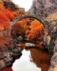 #Arapgir #malatya #turkey #amazingview #anatolia #historybridge // Photo by hakan_kotan