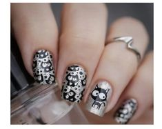 Nail art - Silver Cats Stamping with from Bornpretty Store Mais Fabulous Nails, Gorgeous Nails, Love Nails, How To Do Nails, Pretty Nails, Cat Nail Art, Cat Nails, Seasonal Nails, Holiday Nails