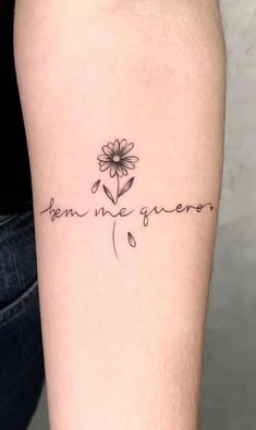 Daisy Flower Tattoos, Simple Flower Tattoo, Sunflower Tattoos, Rose Tattoos, Tatoos, Z Tattoo, Tattoo Script, Piercing Tattoo, Piercings