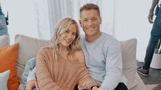 'The Bachelor' star Colton Underwood reveals he and Cassie Randolph briefly split last summer The Bachelor star Colton Underwood has revealed that unbeknownst to their fans he and girlfriend Cassie Randolph actually broken up for a brief time last summer. Bachelor Couples, After The Final Rose, Fantasy Suites, Becca Kufrin, Colton Underwood, Long Engagement, Living Together, 90 Day Fiance, Couple Romance
