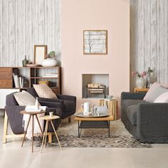 Neutral-living-room-with-woodland-theme
