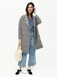 madewell plaid cocoon coat worn with pintrill® pins + macon & lesquoy pins. Love something you see? Pre-order your favorite pieces by calling 866-544-1937 or email shopfirst@madewell.com to get first dibs. #everydaymadewell
