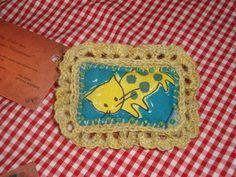 """Textile brooch """"Kitty"""" with crochet lace border. http://de.dawanda.com/shop/ursulavongranegg/1125205-Broschen-und-Anstecker - Facebook page: https://www.facebook.com/Wilhelmine-Wiesenkraut-802474093168101/timeline/?ref=hl"""