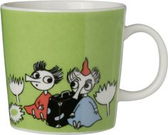 Children and adults alike fall in love with the sympathetic characters of Moomin Valley as created by the author Tove Jansson. The Arabia artist Tove Slotte has designed the delightful Moomin objects in keeping with the original drawings. Moomin Shop, Moomin Mugs, Moomin Valley, Japanese Gifts, Tove Jansson, Green Mugs, Marimekko, Kitchen Items, Kitchen Stuff