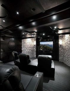 80 Home Theater Design Ideas For Men Masculine Movie Room Retreats gt; 80 Home Theater Design Ideas For Men Masculine Movie Room Home Theater Design Ideas For Men Masculine Movie Room Retrea Movie Theater Rooms, Home Cinema Room, Home Theater Seating, Home Theater Design, Theatre Rooms, Home Entertainment, Salas Home Theater, Best Home Theater, Home Theatre