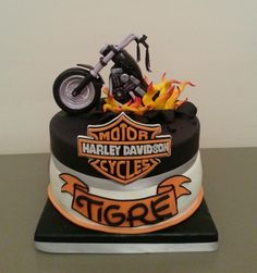 cool sugarcake Motorcycle Birthday Cakes, Motorcycle Cake, Birthday Cakes For Men, Birthday Parties, Cake Cookies, Cupcake Cakes, Cupcakes, Torta Harley Davidson, Bike Cakes