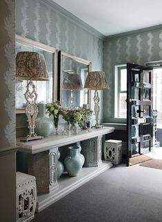 Everything British designer Hubert Zandberg touches turns to gold. I absolutely adore every interior design project this man has taken o. Entrance Foyer, Entryway Decor, Entryway Tables, Entrance Halls, Masculine Interior, Chelsea London, Green Rooms, Two Bedroom, Apartment Design