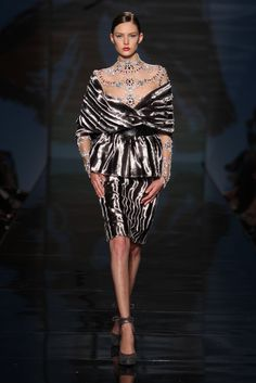 Take a look to Fausto Sarli Haute Couture Fall Winter 2009/2010collection: the fashion accessories and outfits seen on Roma runaways.