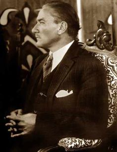 Atatürk Bir Davette - Bursa - 1924