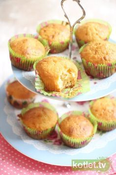 zwykłe muffinki. podstawowy przepis. Breakfast Lunch Dinner, Breakfast Recipes, Biscuits, Dinner Side Dishes, Appetizer Salads, Sweet Recipes, Food To Make, Food And Drink, Favorite Recipes