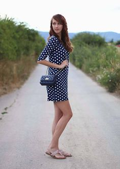 ZuzanaZachar / Modré šaty bodkované...