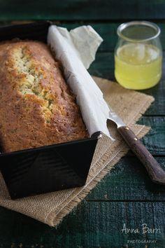 Lemon poppy seed loaf bread via www.gastroadikta.com