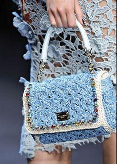 Borsa Dolce & Gabbana con ricami ad uncinetto estate 2012