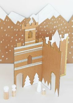 Use cardboard to make this DIY snowy winter castle! | easy kids crafts