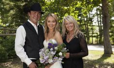 heartland wedding | Heartland actress Amber Marshall's rustic ranch wedding
