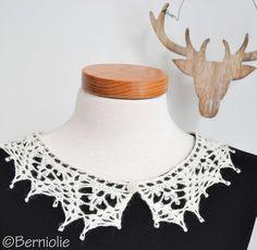 Crochet Doilies, Crochet Lace, Crochet Hooks, Free Crochet, Crochet Edgings, Crochet Circles, Crochet Collar, Sewing A Button, Crochet Accessories