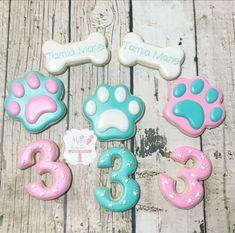 Paw Patrol Themed Cookies Girls Birthday Party Themes, Kids Party Themes, Kid Party Favors, Frozen Birthday Party, 2nd Birthday, Girls Paw Patrol Cake, Paw Patrol Birthday Girl, Paw Patrol Party, Cumple Paw Patrol