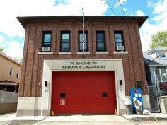E070 FDNY Firehouse Engine 70 & Ladder 53, City Island, Bronx, New York City by jag9889, via Flickr shared by NYC Firestore