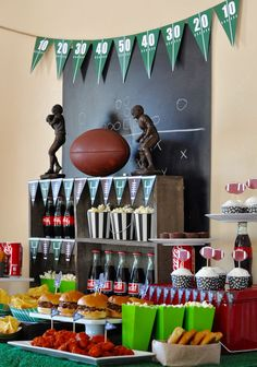 Fabulous Football Party + Tailgating Ideas Fabulous Football Party + Tailgating Ideas,super bowl Football and Tailgating Party Related posts:February Bullet Journal Ideas - Bullet journal love themeBoxspringbett Boxi ¦ grün ¦ Maße (cm): B:. Football Banquet, Football Themes, Football Tailgate, Football Parties, Football Food, Football Season, Football Decor, Superbowl Decor, Football Draft Party