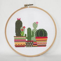 Cactus moderno punto de cruz patrón para descarga inmediata! Este patrón de punto de Cruz muestra diferentes tipos de cactus en macetas de colores vivos adornados. Es un patrón PDF descargable incluyendo el patrón de sí mismo, una carta de colores de Anchor y DMC de seda y las instrucciones básicas