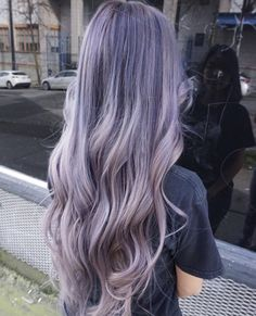 We have compiled a list of our favorite long layered haircuts. For those women who are looking for a fun, funky new style. Hair Color Purple, Hair Dye Colors, Cool Hair Color, Green Hair, Light Purple Hair, Silver Purple Hair, Blue Hair, Pastel Hair, Ombre Hair