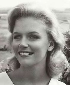 July 2nd, 1991 - Lee Remick, actress (Days of Wine & Roses), died at 55. Lee Ann Remick (b. 1935) was an American film and television actress. Among her best-known films are Anatomy of a Murder (1959), Days of Wine and Roses (1962), and The Omen (1976). Remick died on July 2, at her home in Los Angeles of kidney cancer. She was cremated and her ashes given to family and friends.