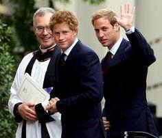 Los príncipes Guillermo y Harry de Inglaterra toman el relevo de su madre en la lucha contra el sida #royals #realeza