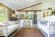 Uma casinha encantadora em Trancoso | Histórias de Casa Arch Interior, Porch Swing, Outdoor Furniture, Outdoor Decor, My House, Beach House, Sweet Home, Mid Century, Indoor