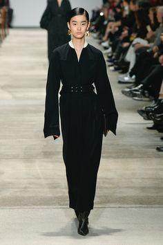 Jil Sander | Ready-to-Wear Autumn 2020 | Look 22 Jil Sander, Fashion 2020, Ready To Wear, Runway, Normcore, Autumn, Fall, Chic, Pretty