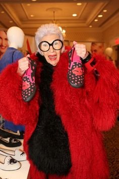 Our favorite #NYFW fashion icon spotted at #thefashionedit - Iris Apfel!