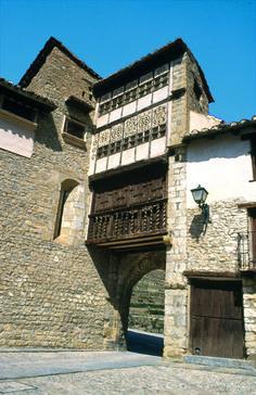 Portal de las Monjas, en Mirambel.