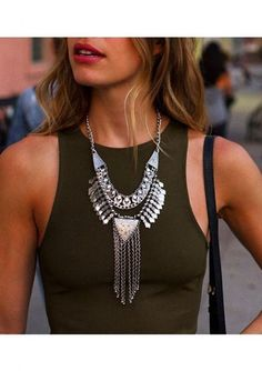 Silver Bib Statement Necklace #fashion #ootd #style #pretty - 17,90 € @happinessboutique.com