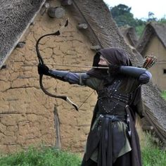 Take up archery. Medieval Archer, Medieval Fantasy, Fantasy Male, Ranger, Dark Brotherhood, Traditional Archery, Fantasy Costumes, Larp Costumes, Medieval Costume