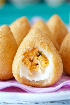 Uploaded by accarolla. Find images and videos about foodporn, brazil and coxinha on We Heart It - the app to get lost in what you love. Cake Surimi, Coxinha Recipe, Brazillian Food, I Want Food, Food Wishes, Asian Recipes, Ethnic Recipes, Snack Recipes, Snacks