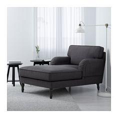 IKEA - STOCKSUND, Chaiselongue, Hovsten gris/blanco, negro, , Sofá muy largo y profundo con mucho espacio para sentarse y relajarse cómodamente.Ofrece un soporte y comodidad excelentes, gracias al grueso cojín con núcleo de muelles embolsados y una capa superior de espuma y fibras de poliéster.El núcleo de muelles embolsados es duradero y mantiene durante mucho tiempo la forma y confort.La funda es fácil de limpiar, ya que se puede quitar y lavar a máquina.10 años de garantía. Consulta ...